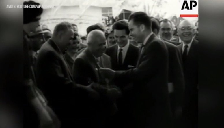 Atskats vēsturē: ASV eksprezidents Ričards Niksons un virtuves debates Maskavā