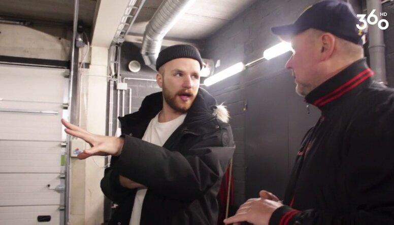 Unikāla intervija ar hokeja ledus tīrītāju!