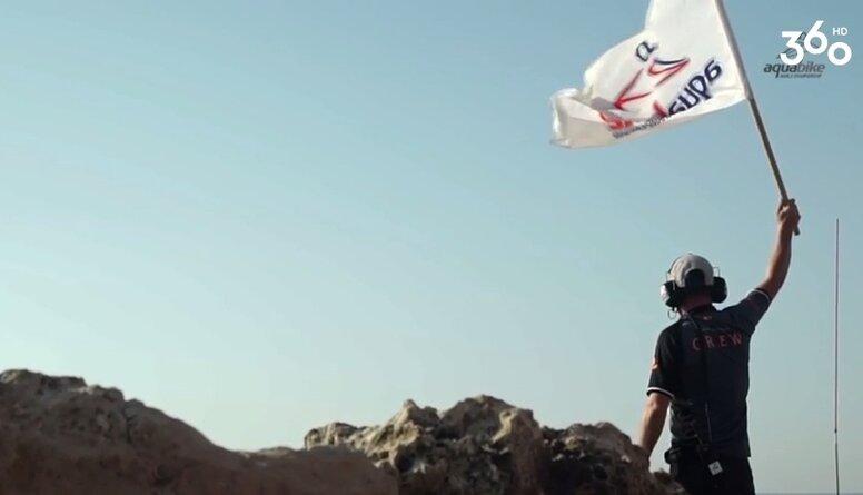 Vai zini, kas notiek ūdens motociklu sacensībās?