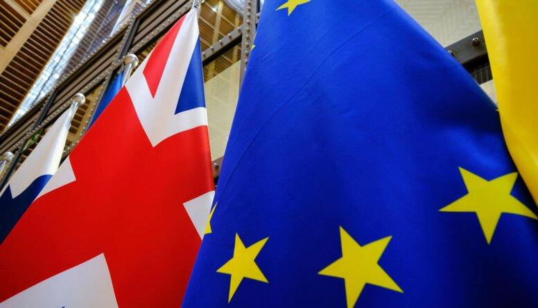 Šmidre par Brexit: Tam saknē ir ļoti materiāla ieinteresētība