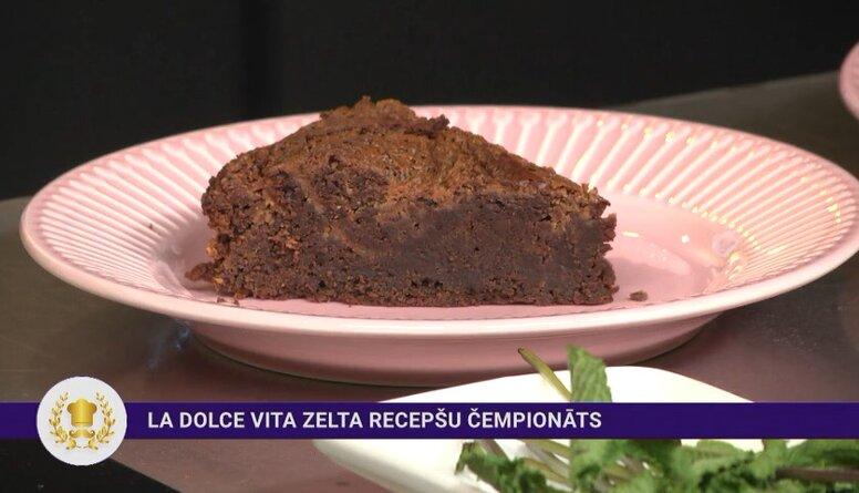 Mutē kūstošs šokolādes-zemesriekstu sviesta braunijs