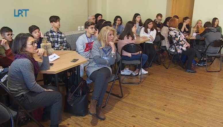 """Daugavpils Saskaņas pamatskola realizē """"Attīstāmies ar STEAM"""" projektu"""