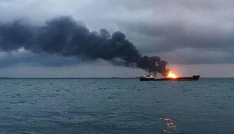 Traģisks kuģa ugunsgrēks pie Kerčas šauruma - miruši līdz 20 jūrnieku