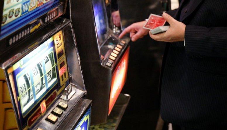 Azartspēļu zāļu aizliegums Rīgā problēmas nemazinās, pauž Pūce