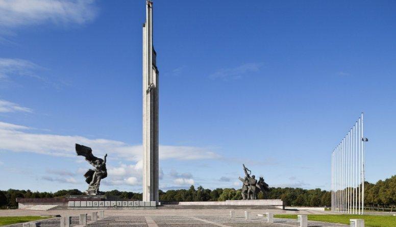 Riekstiņš: Uzvaras piemineklis šķeļ sabiedrību - to ir jāpārvieto
