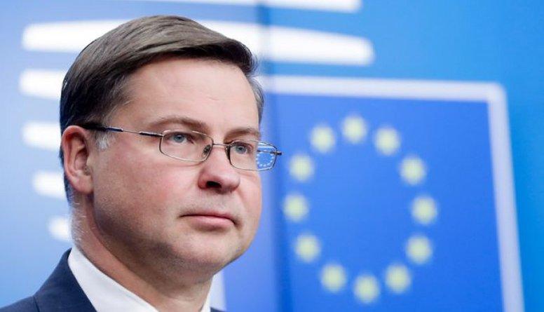 Viedoklis: Dombrovksis objektīvi ir labākais kandidāts Eiropas komisāra amatam
