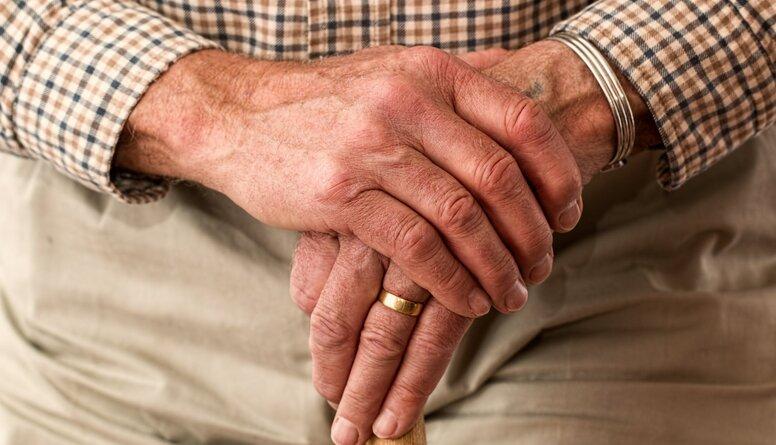 Ekonomists Gundars Bērziņš par priekšlikumu sniegt 200 eiro atbalstu pensionāriem