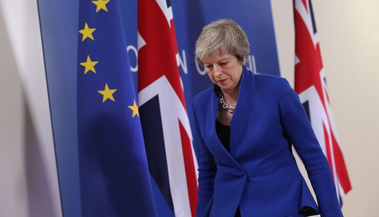 """Britu ministri aicinājuši Meju atlikt """"Brexit"""""""