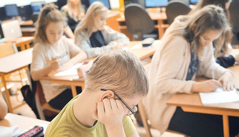 Saeimā karstas debates par izmaiņām izglītības sistēmā