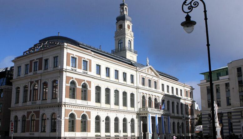 Rīgas dome neatļauj viena cilvēka piketu pie Saeimas pret novadu reformu