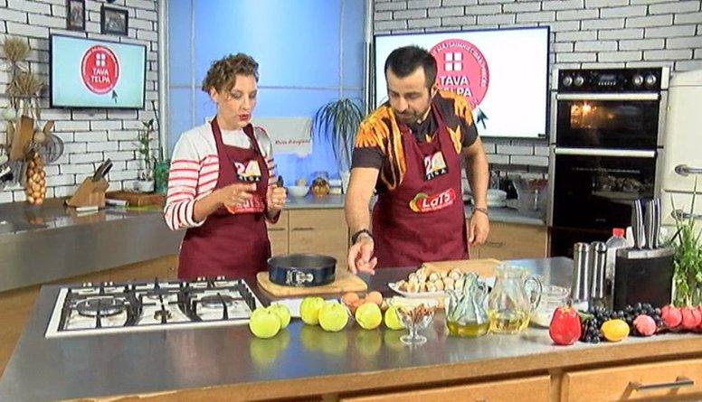 Iveta Troalika māca gatavot ābolkūku