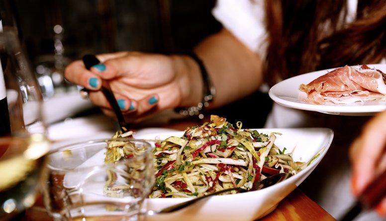 Kā uzklāt veselīgu svētku galdu?