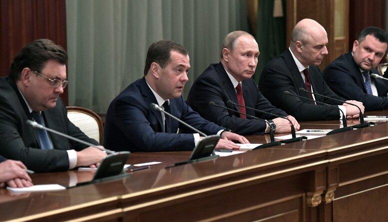 Vai Krievijas valdības paziņojums par demisiju ietekmēs Latviju?