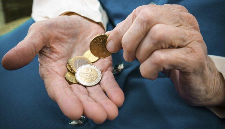 Āboliņš: Mazās pensijas ir viens no iemesliem, kāpēc cilvēki brauc prom no Latvijas