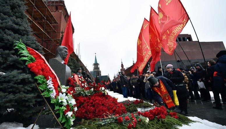 Krievijā Staļina nāves gadadienas pasākumā aizturēts aktīvists