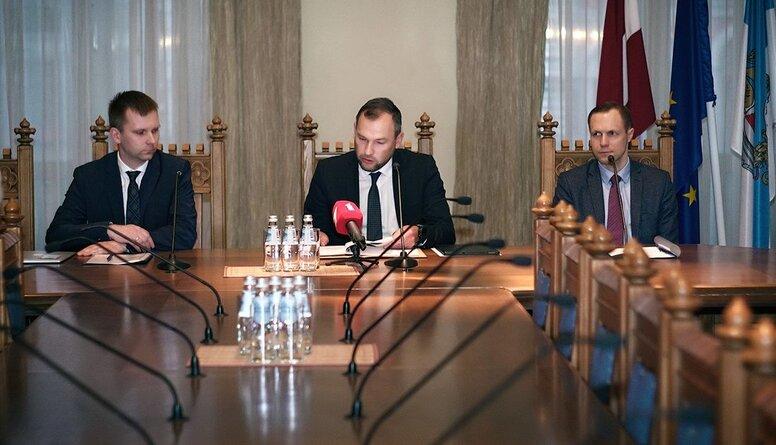 Kaktiņš: Iedzīvotāji Rīgas pagaidu administrāciju novērtējuši vēsturiski zemu