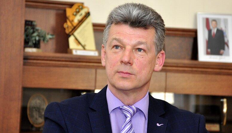 Aizdomās par kukuļņemšanu aizturēts bijušais Daugavpils mērs Eigims