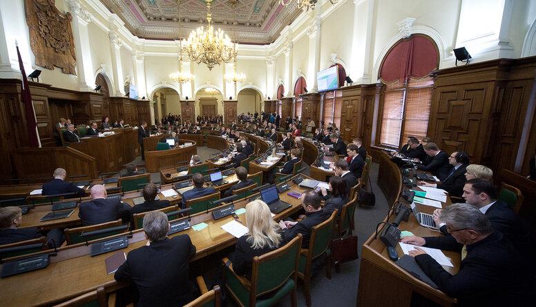 Latkovskis: Ilgstoši atrodoties Saeimā, deputāts atrofējas no citām profesijām