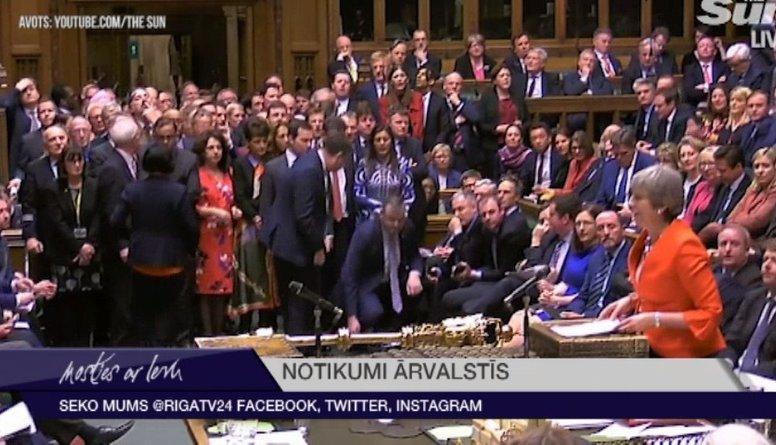 """Lielbritānijas parlaments atkārtoti noraida """"Brexit"""" vienošanos"""
