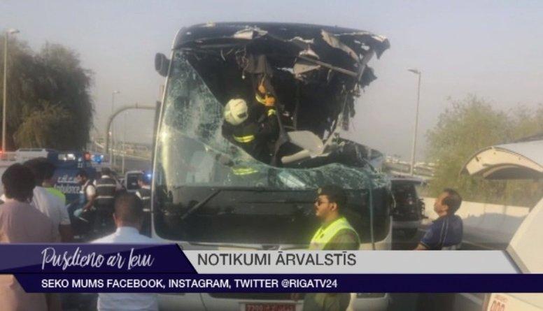 Dubaijā smagā autobusa avārijā vairāk nekā 10 bojāgājušie