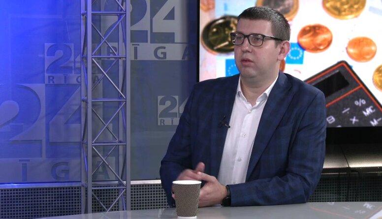 Vai 2022. gadā Latvijas mājsaimniecības var skart lielāka nabadzība?