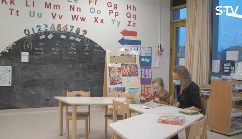 Kā palīdzēt bērnam apgūt vairākas valodas vienlaicīgi?