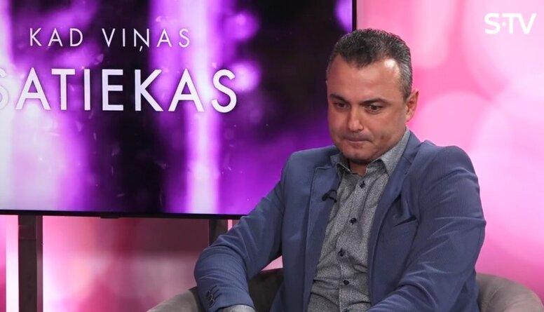 Vai Hosams Abu Meri uztur kontaktus ar šķirtajām sievām?