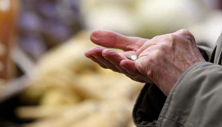 Ādamsons par pensiju apmēru: Mums daudzas lietas ir ačgārnas..