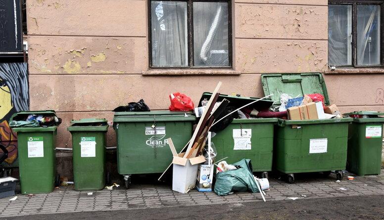 """""""Cinisma un ņirgāšanās augstākais līmenis!"""" - Circene par atkritumu šķirošanas problēmām Rīgā"""