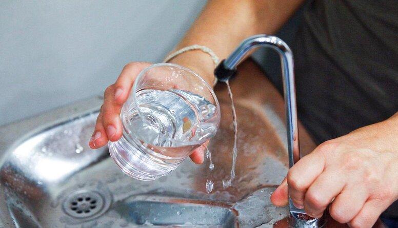 Cik daudz jādzer ūdens, lai vasaras tveicē nenodarītu kaitējumu sirdij?