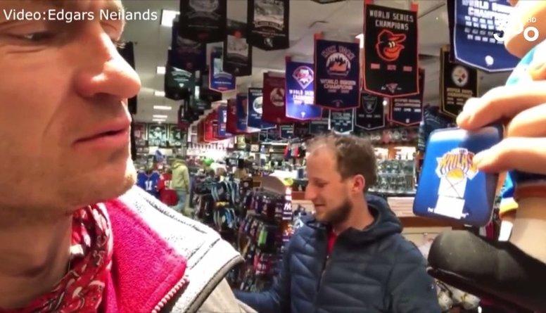 Puče: Ņujorkā tiek izpārdotas Kristapa Porziņģa mantas!