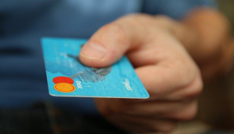 Vai ir droši internetā iepirkties ar bankas karti?