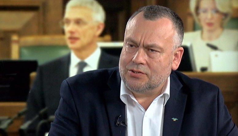 Cimdars par tieslietu sistēmas problēmām Latvijā