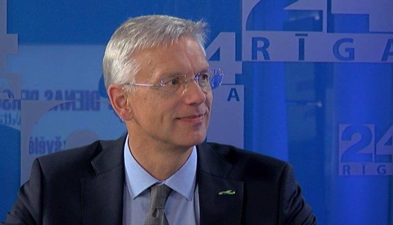 Kariņš un Dombrovskis par pensiju palielināšanu