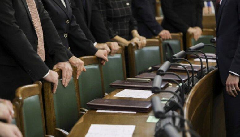 Gads pēc Saeimas vēlēšanām. Ko ieguvuši politiķi, ko vēlētāji?