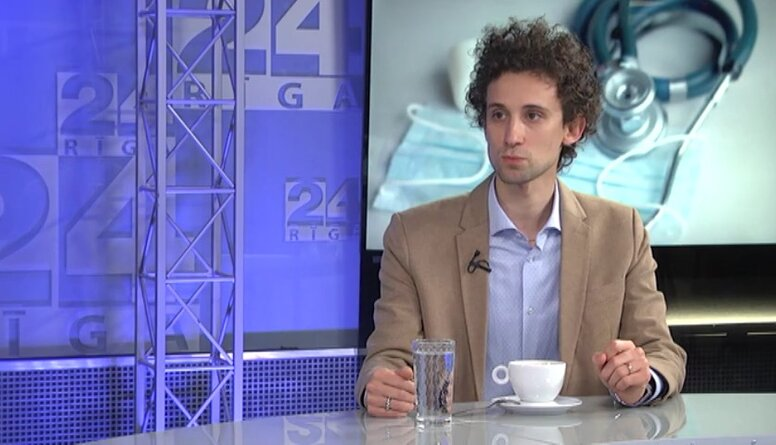 Sajūta, kā pirms apokalipses. Latvijas Jauno ārstu asociācijas vadītājs par Covid-19 Latvijā
