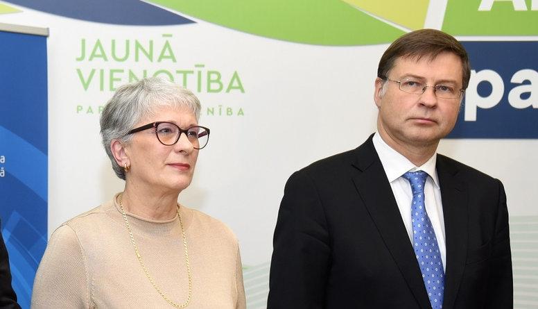 Dombrovskis un Kalniete ir piemēroti darbam EP, vērtē Liepiņa