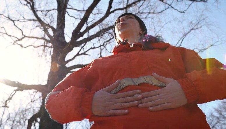 Apgūsti elpošanas vingrinājumus, kuri palīdz vēdera dobuma orgānu darbībai