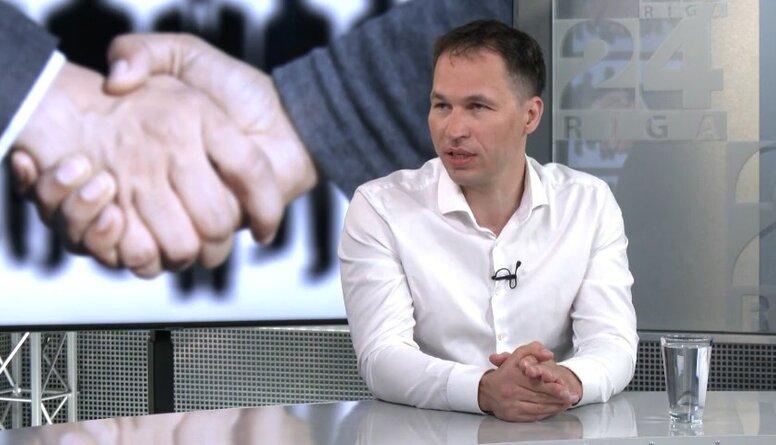 Andžāns: Baidens nevēlas kļūt par upuri saviem vārdiem, apspēlējot Putinu