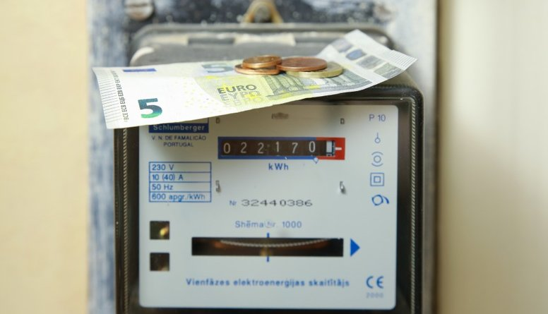 Nemiro: Rēķini ar katru nelikumīgās elektrostacijas aizvēršanu samazinās