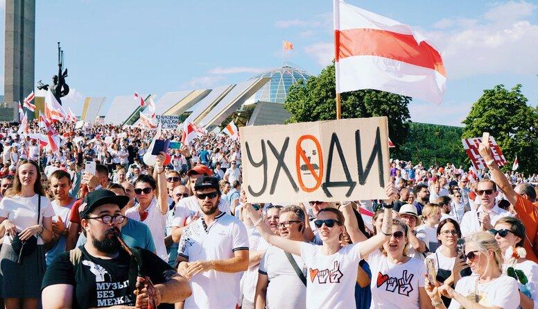 Poikāns: Pārsteidzoši, ka baltkrievi ilgstoši spēj tik mierīgi protestēt