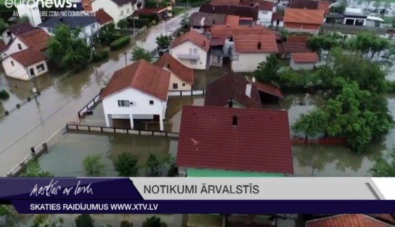 Bosnija piedzīvo pamatīgus plūdus