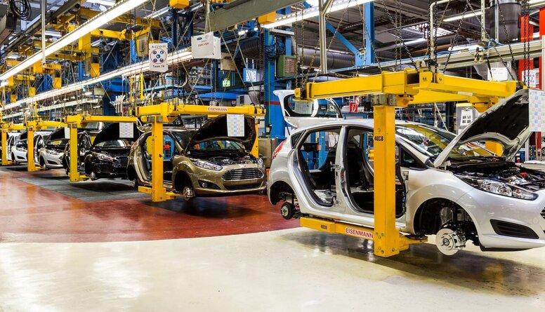 Tieši elektromobiļu ražošana veicina globālo sasilšanu, apgalvo Blodons
