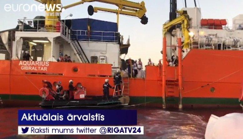 """Migrantu glābējkuģis """"Aquarius"""" apsūdzēts bīstamu atkritumu izgāšanā"""
