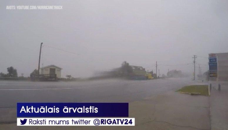 Meksikas Klusā okeāna piekrastē plosās viesuļvētra «Villa»
