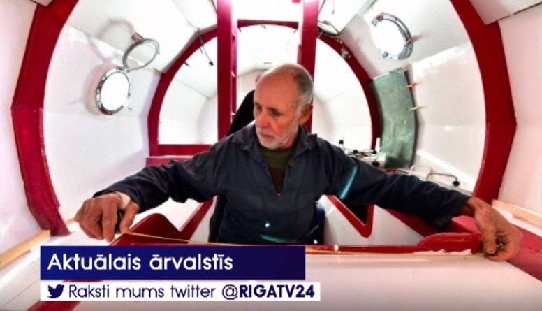 Neticami: Francūzis cer šķērsot okeānu ar mucai līdzīgu peldlīdzekli!