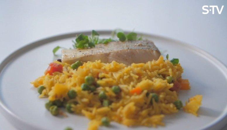 Recepte: zandarta fileja ar rīsiem un dārzeņiem