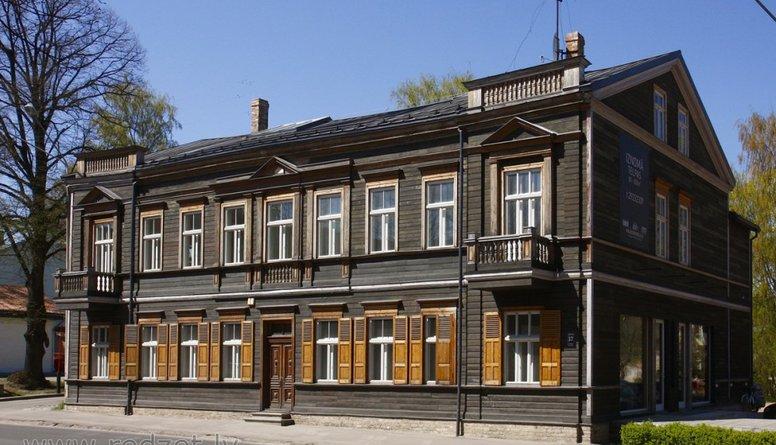 Kas ierobežo koka ēku celtniecību Latvijā?