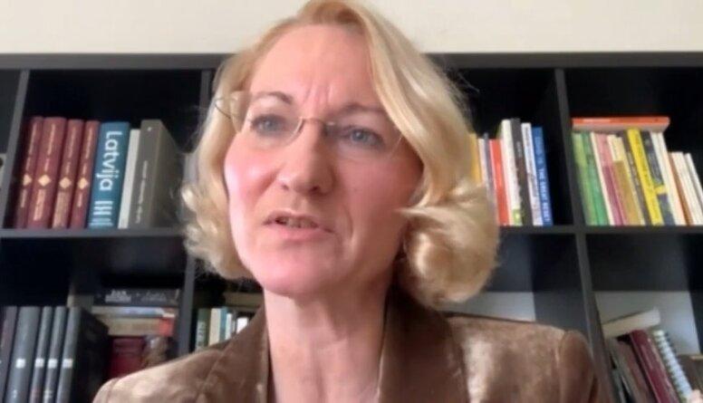Dace Melbārde par deputātu vakcinēšanu Latvijā un Eiropas Parlamentā