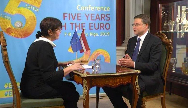 Cīņa ar naudas atmazgāšanu Latvijā